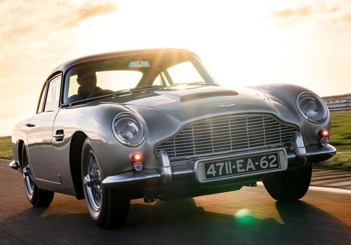 Aston Martin DB5 on International Concours